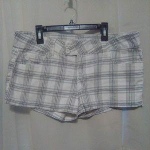 Comfy plaid shorts